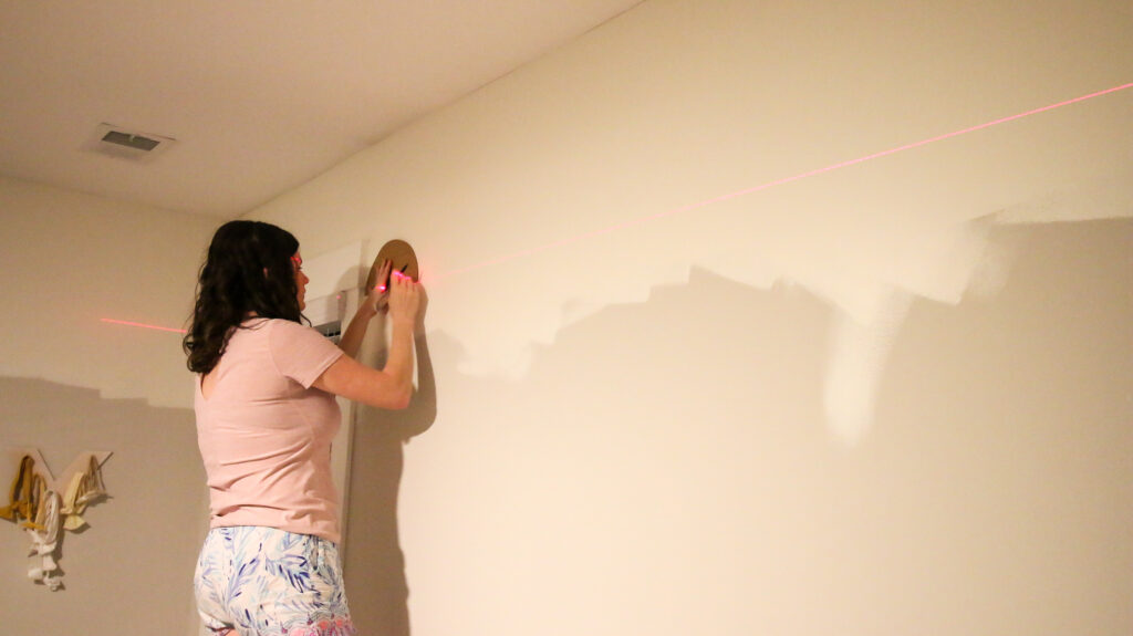 how to paint the base coat of a scallop wall