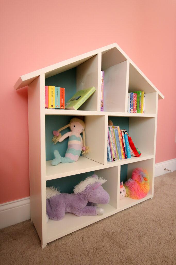 Full picture of DIY dollhouse bookshelf