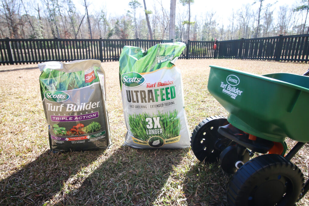 How to use Scotts Turf Builder Triple Action Southern & Ultrafeed