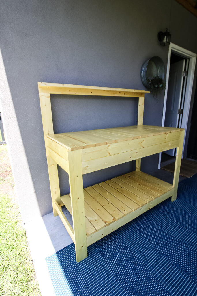 Full picture of potting bench