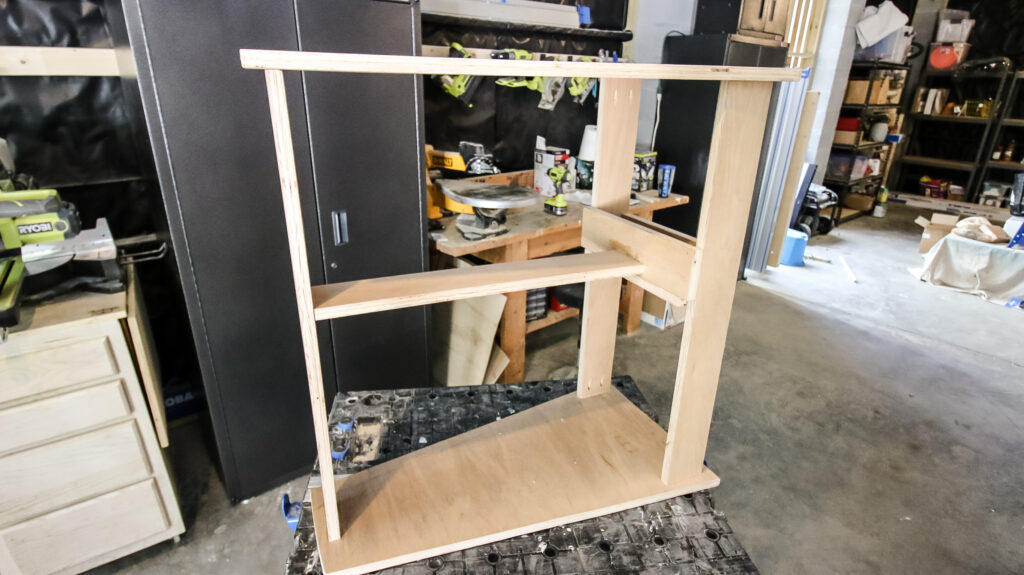 Attaching top to scroll saw stand