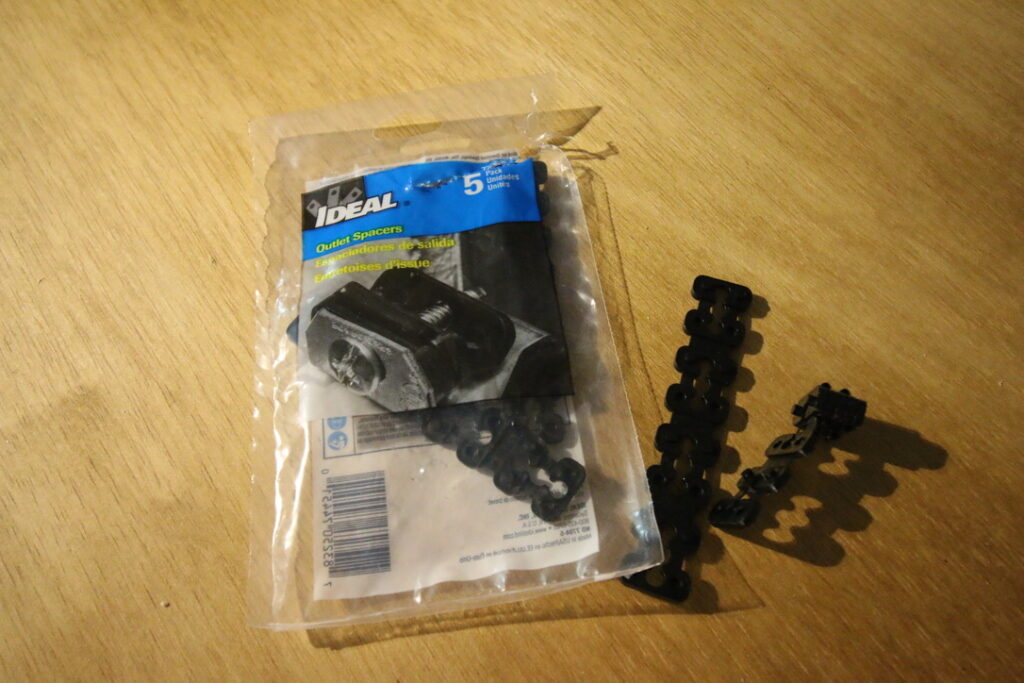 Outlet spacers from packaging