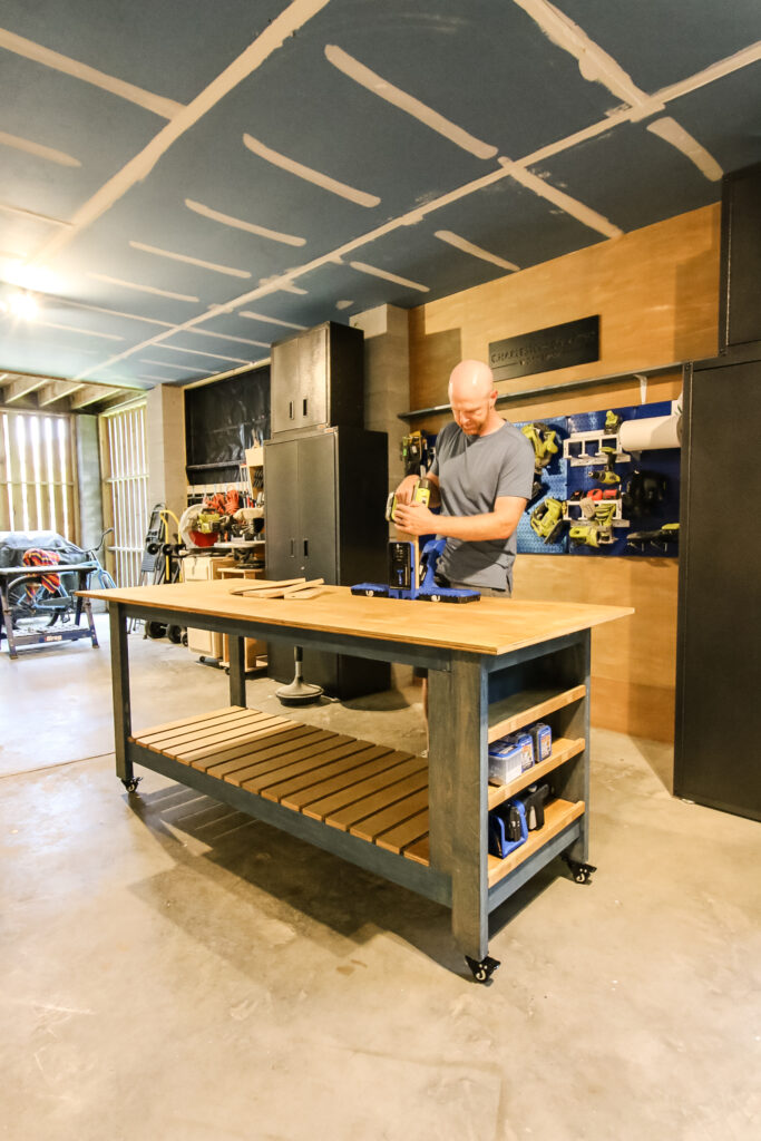 Mobile workbench in front of workshop